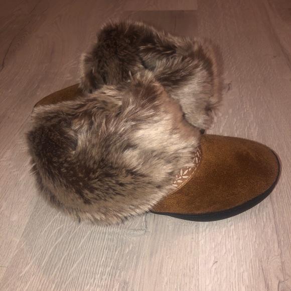 Isotoner/brown trimmed in fur/sz6.5-7